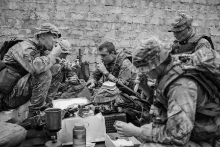 栄養不足で抗うつ状態になる兵士の実験